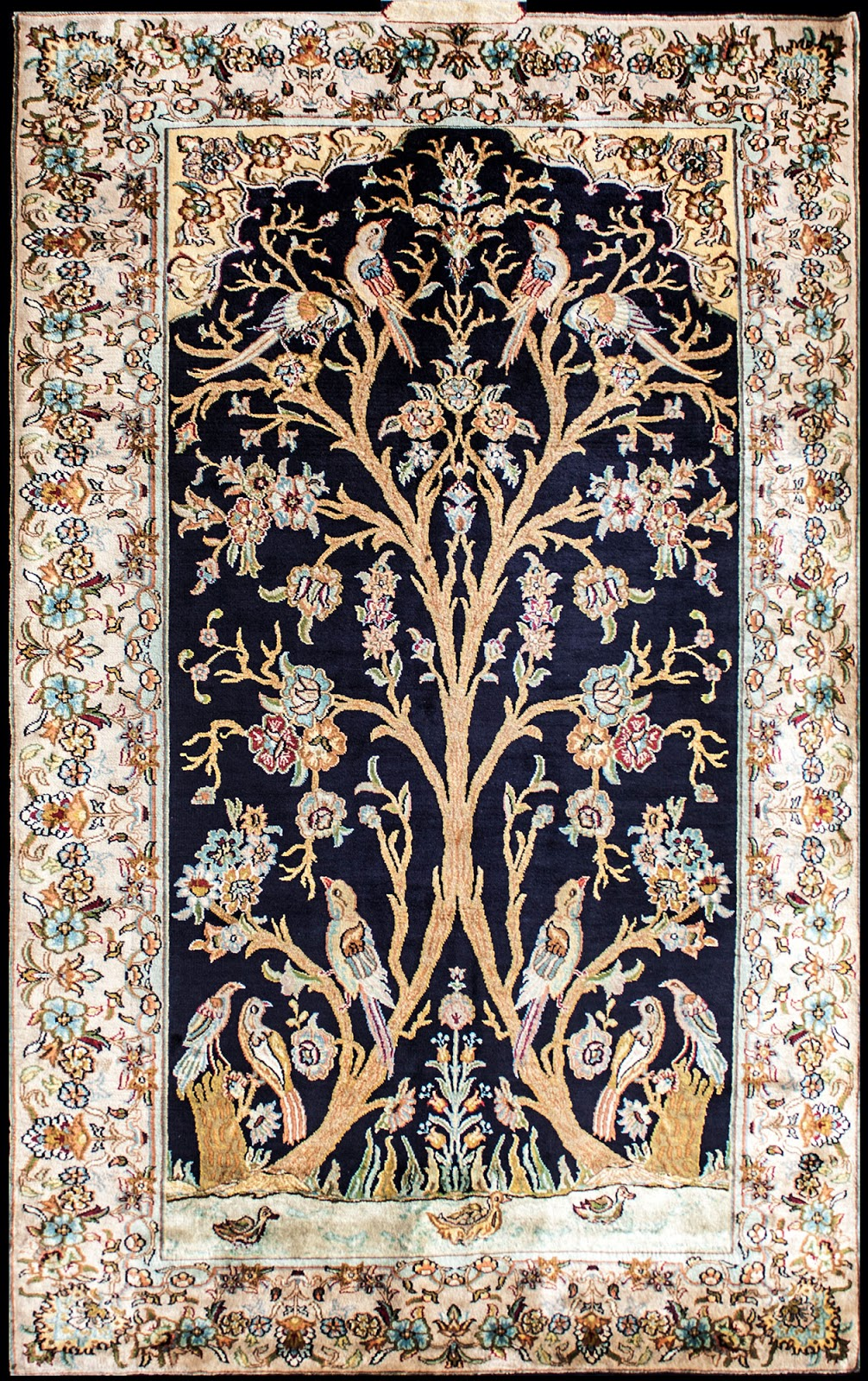 Indian Handmade Carpets And Rugs In Wool And Silk