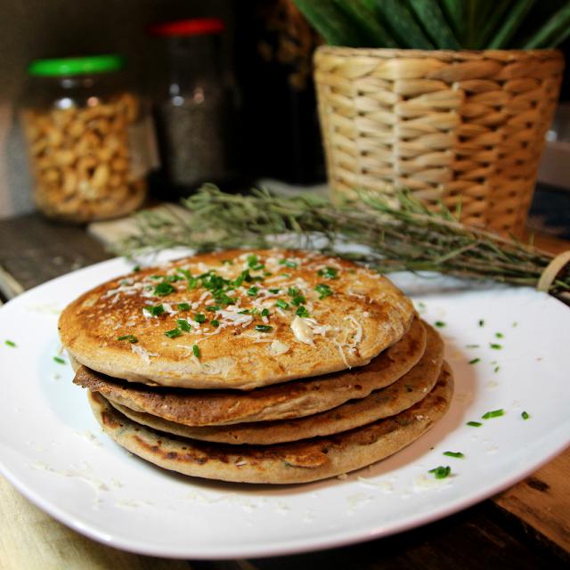 pancakes salés au saumon fumé et ciboulette