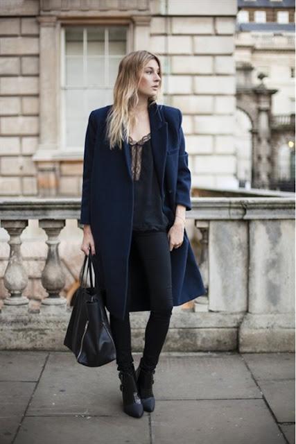 Kết hợp giữa màu xanh navy và đen cực kỳ tôn dáng