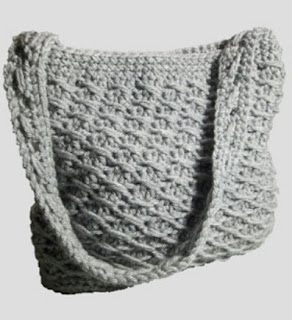 http://translate.google.es/translate?hl=es&sl=en&tl=es&u=http%3A%2F%2Fcrochetncrafts.com%2Fcrochet%2Fcross-over-long-dc-purse.html