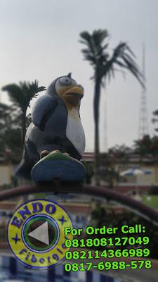 Jual Patung Pinguin Fiberglass