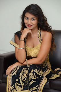 Actress Kiran Chetwani sizzling 033.jpg