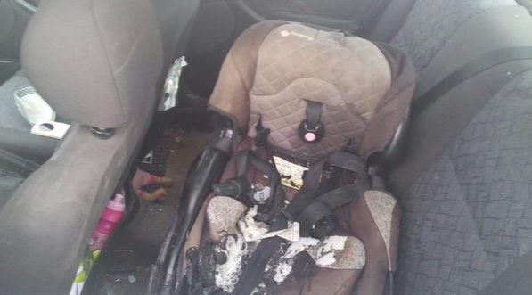 Asiento de bebé atacada por terroristas árabes