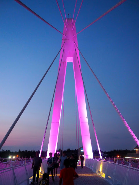 Lover's Bridge, Fisherman's Wharf, Tamsui, Taipei, Taiwan