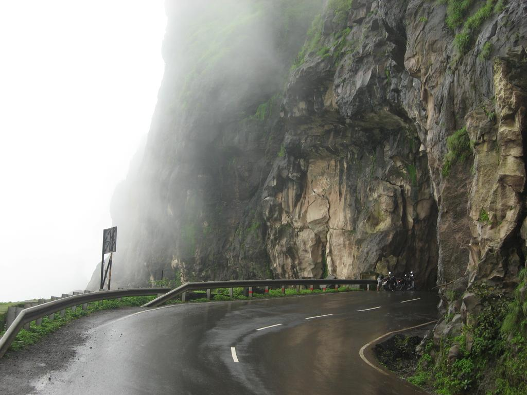 Don T Miss To Visit Best Beautiful Monsoon Places Near