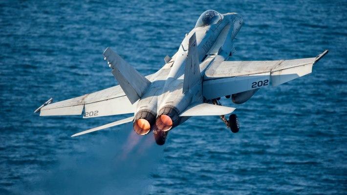 Wallpaper 2: F/A-18C Hornet
