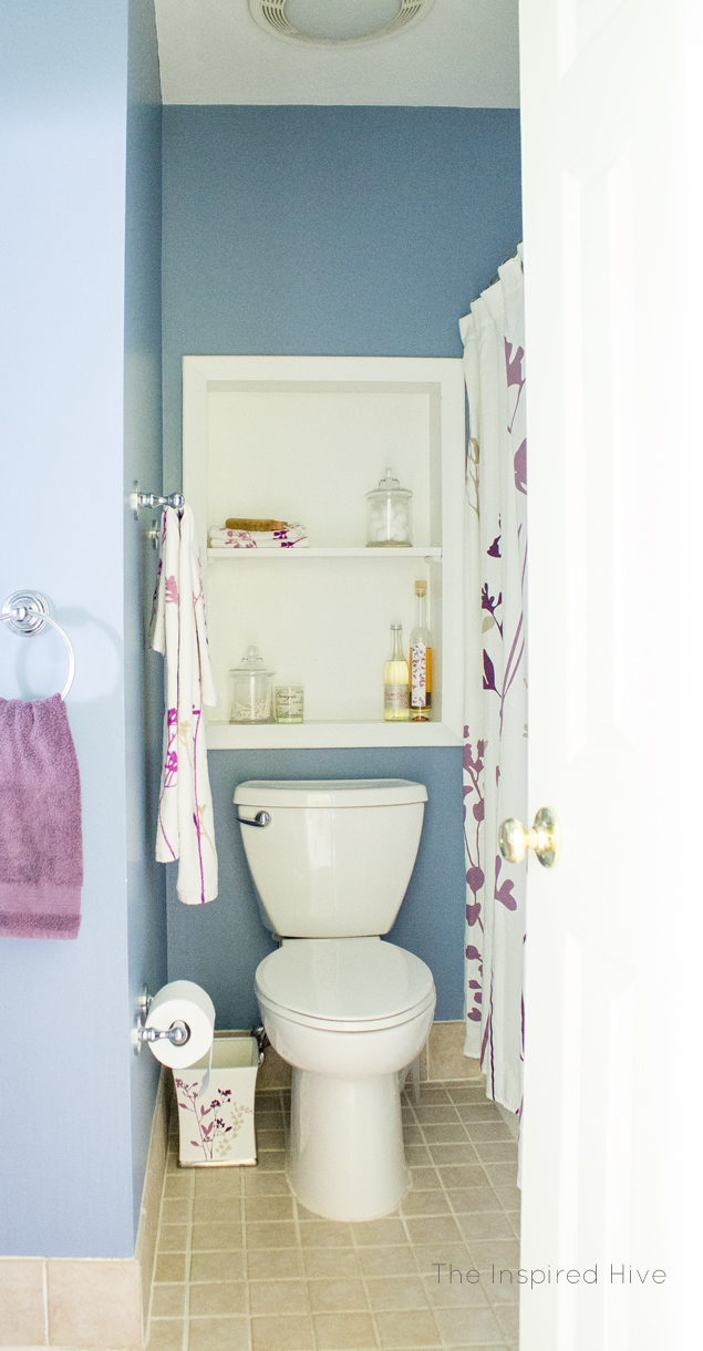 A nautical bathroom makeover that's perfect for both kids and guests.