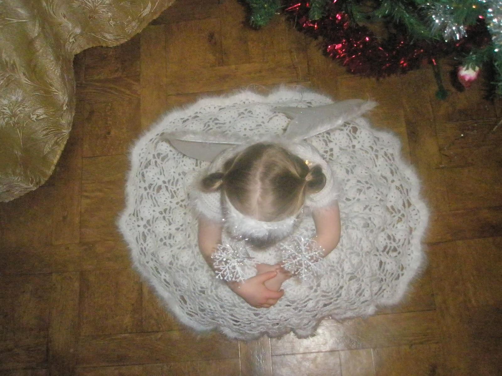 рукодельницы донбасса новогоднее вязаное платье снежинки на девочку