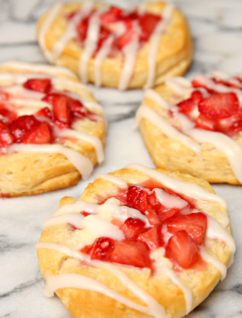 Most Viewed Recipe of the Week | Strawberry and Cream Danishes from Happy Go Lucky #SecretRecipeClub #recipe #breakfast #danish