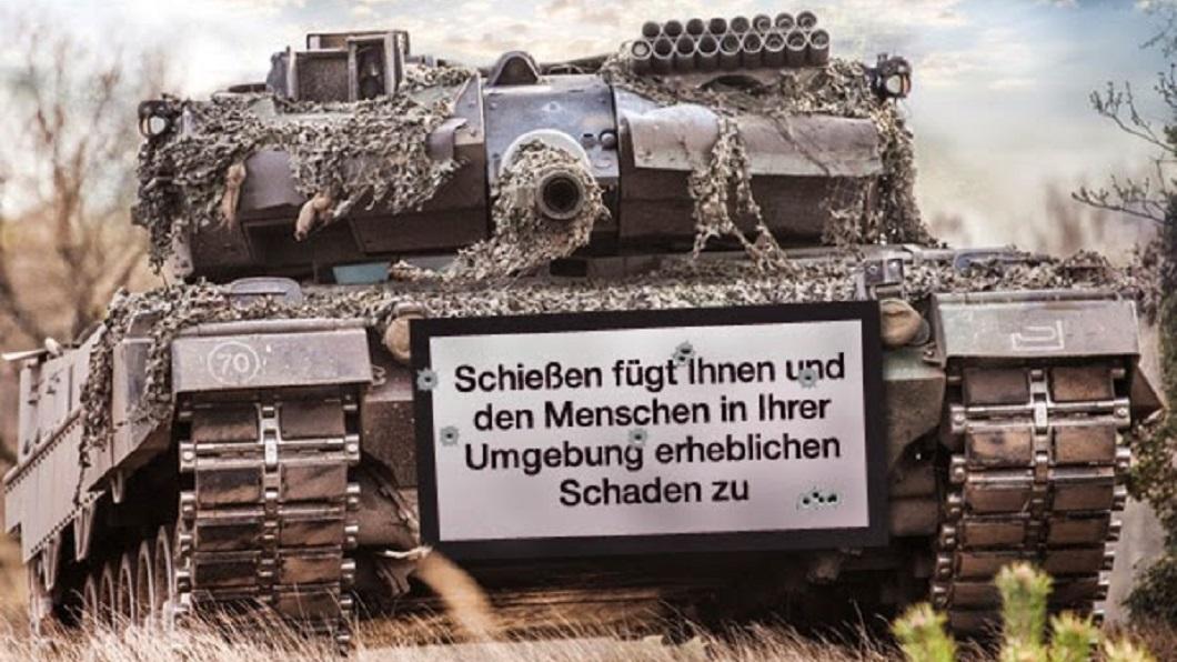 [Obrazek: Panzer%252BWarnhinweis%252B2.jpg]