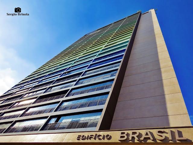 Perspectiva inferior da fachada do Edifício Brasil - Bela Vista - São Paulo