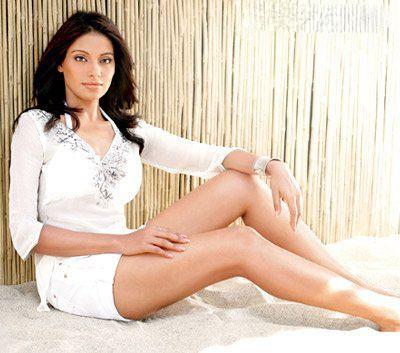 ... Dress Wallpaper,Bipasha Basu Unseen Photo Still,Bipasha Basu Leg Show