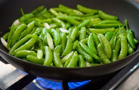 cooking snap peas grill