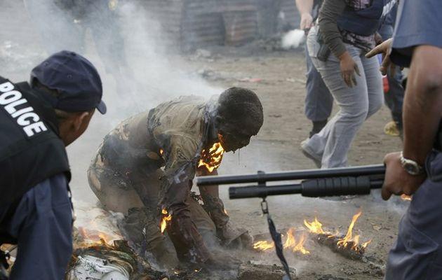 Tujuh Lelaki Dibakar Hidup-Hidup Kerana Miliki Tulang Manusia