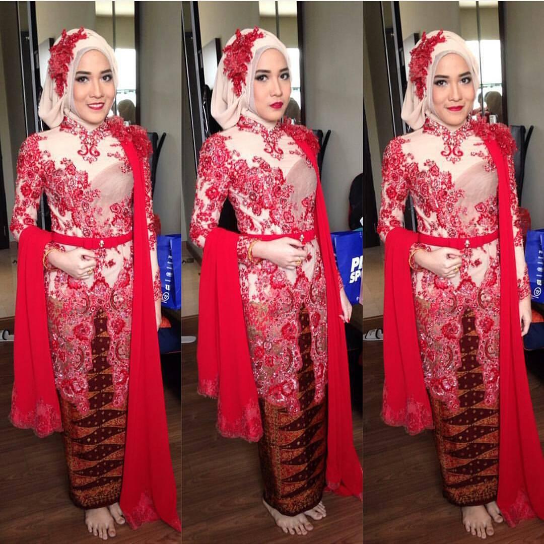 Model Baju Batik Terbaru Kerja Kombinasi Keluarga Muslim: Model Baju Kebaya Muslim Terbaru Untuk Remaja Dengan