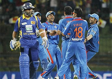 India beat Sri Lanka by 6 wickets in 3rd ODI