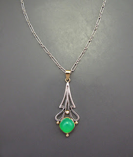 Chrysoprase cushion pendant
