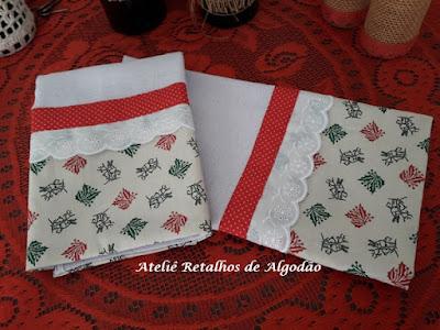 Kit de dois panos de prato com barra de tecido com estampa de natal