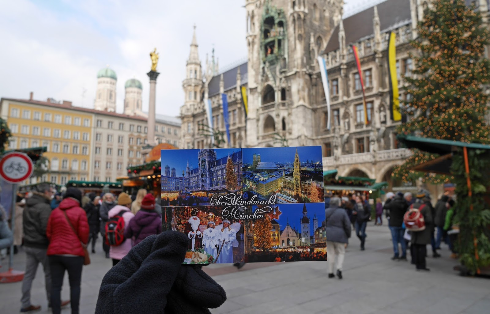 Postcard of the Munich Christmas Markets in front of Marienplatz