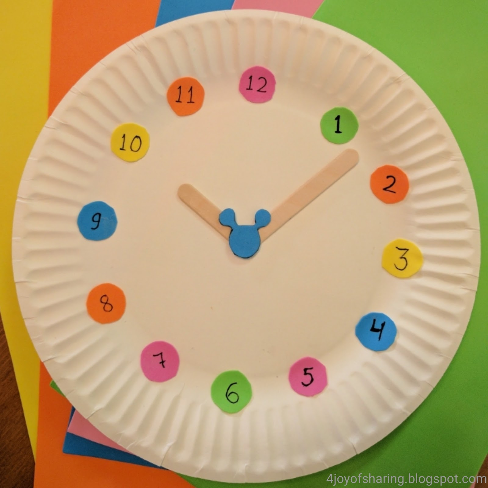 Kids Craft, Craft for kids, Easy craft, clock, number sorting activity for kids, preschool craft, kindergarten craft, toddler craft, paper plate craft, mickey mouse craft
