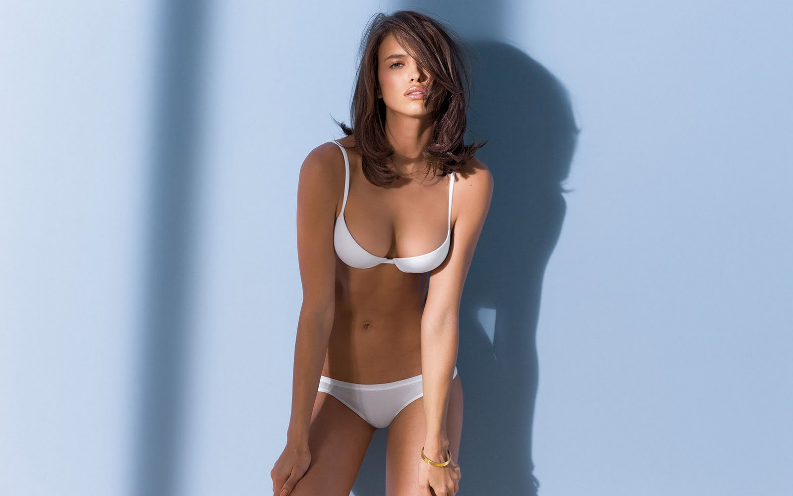 New Hd Wallpapers Very Hot Bikini Wallpapers Of Irina -1016