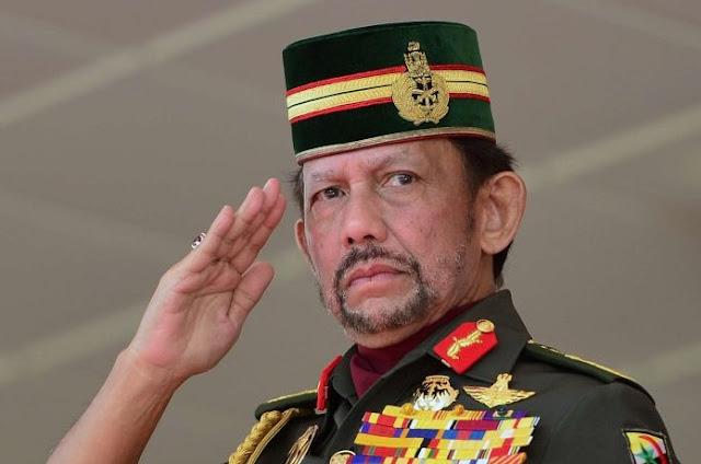 Pertama di Asia, Brunai akan Menerapkan Hukuman Cambuk Bagi Pelaku LGBT