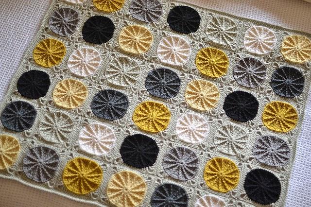 mes favoris tricot crochet tuto crochet le carr sunny spread. Black Bedroom Furniture Sets. Home Design Ideas