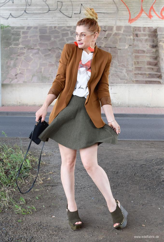 Outfit für Frauen über 40