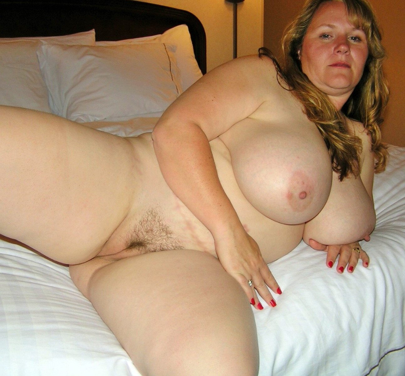 Nude amateur bbw housewife and