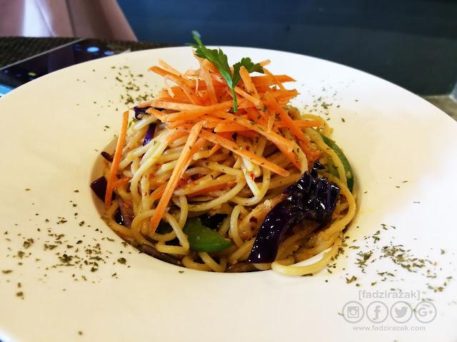 Vege Aglio Olio Spaghetti
