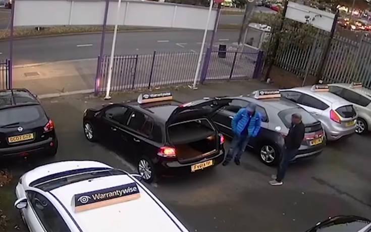 Bούτηξε το αυτοκίνητο σε… 60 δευτερόλεπτα (Video)