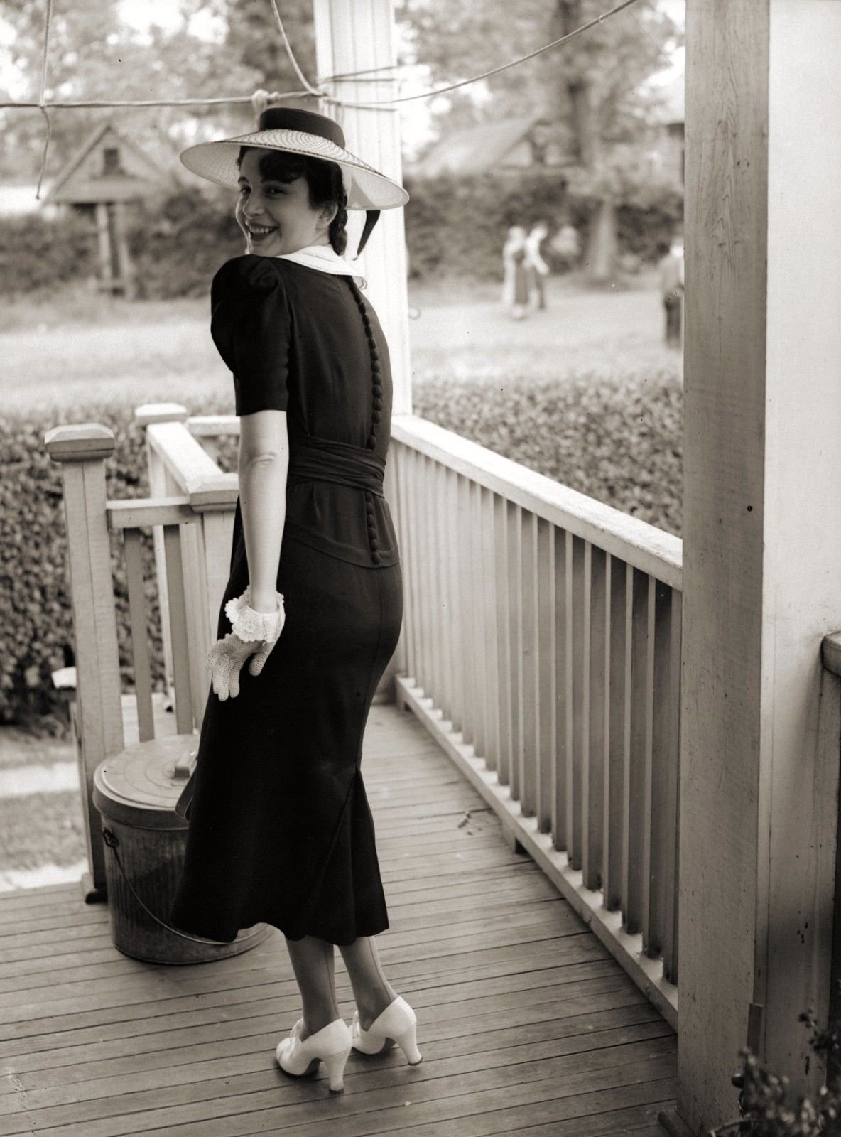 1940s Fashion: What Did Women Wear In The 1940s? Here Are 40 Vintage