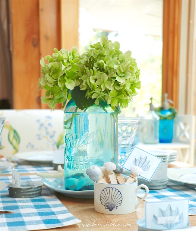 blue-green-canning-jar-blends-coastal-country-tablesetting