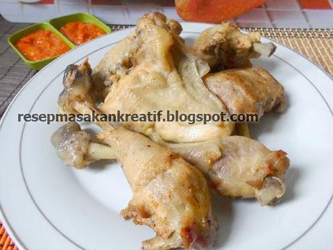 Ayam pop merupakan kuliner olahan ayam khas Sumatera Barat yang sangat terkenal dan sering RESEP AYAM POP KHAS PADANG ENAK