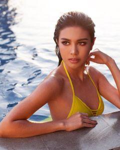 Foto Ariska Putri Pertiwi paha mulus, cantik dan seksi