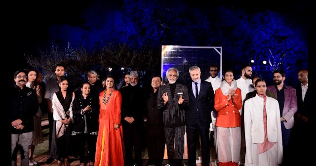 Aman Nath, Chairman of Neemrana Hotels, Vinay Gupta, owner of Shri Hari DiaGems, Sunil Sethi, President FDCI and H.E. Lorenzo Angeloni, Italian Ambassador to India, with 9 sho