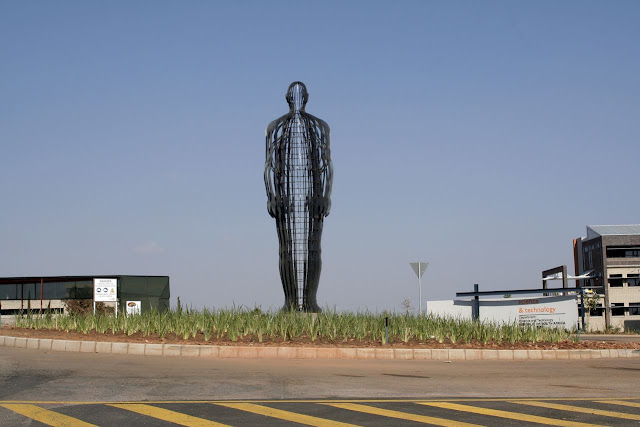 South Africa's Renowned Sculptor 11