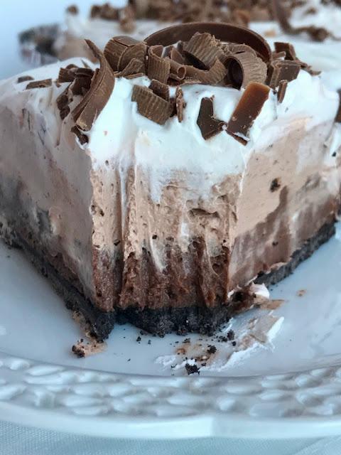 {no bake} Triple Layer Chocolate Cream Pie