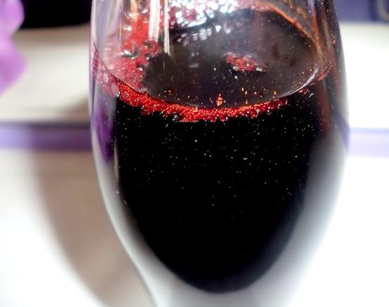Resultado de imagen de botellas de sangre