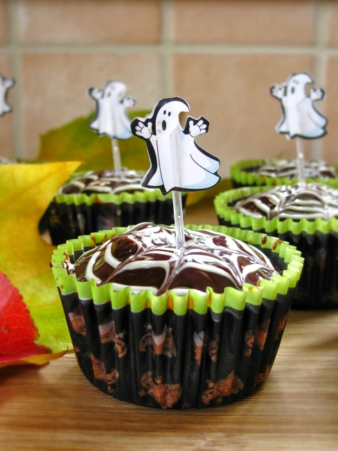 halloween beetroot and chocolate cupcakes