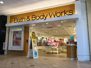 life inside the page bath body works new floor set tour rh lifeinsidethepage blogspot com