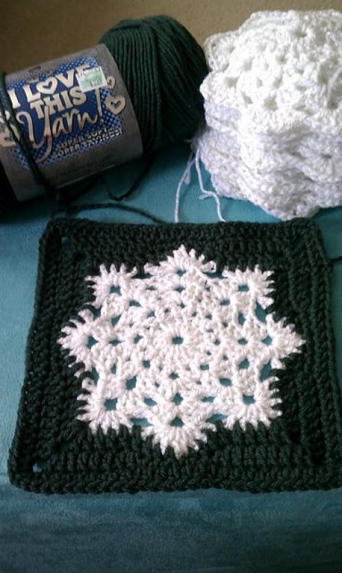 Snowflake Granny Square Afghan - Free Pattern