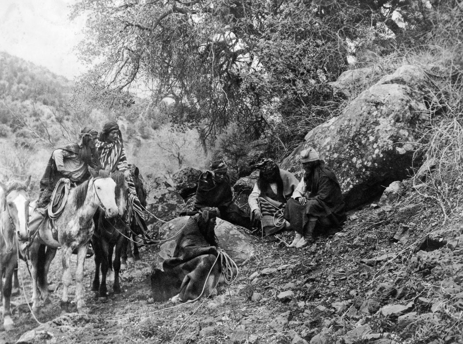 Indians: History In Photos: Edward S. Curtis