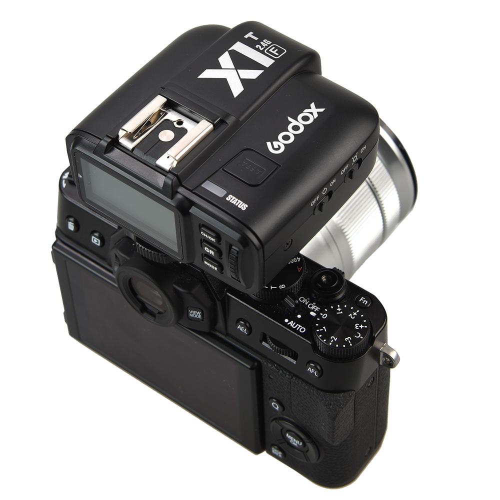 Фотоаппарат Fujifilm и синхронизатор Godox X1T-F