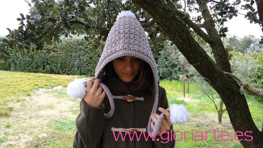 capucha de crochet con pompones