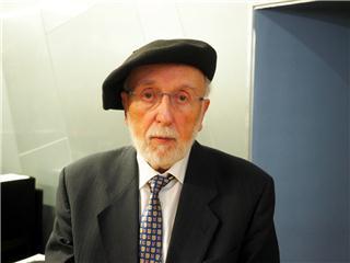 Es uno de los pupilos de Arturo Quintana Font, el misionero del catalán en Aragón, nacido en Barcelona con barretina puesta.