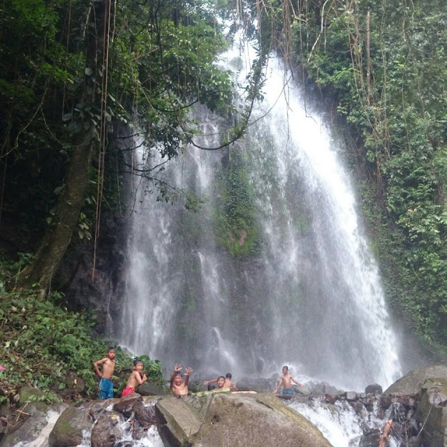 air terjun anglo