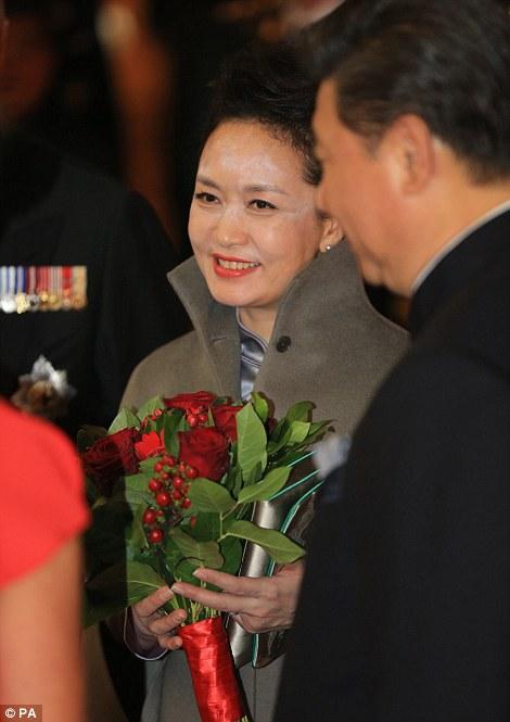 Peng Liyuan white powder  picture.