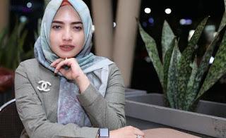 Yulia Mochamad Istri Ke 3 Opick
