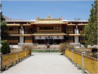 พระราชวังโนร์บูกลิงกา (Norbulingka Palace)